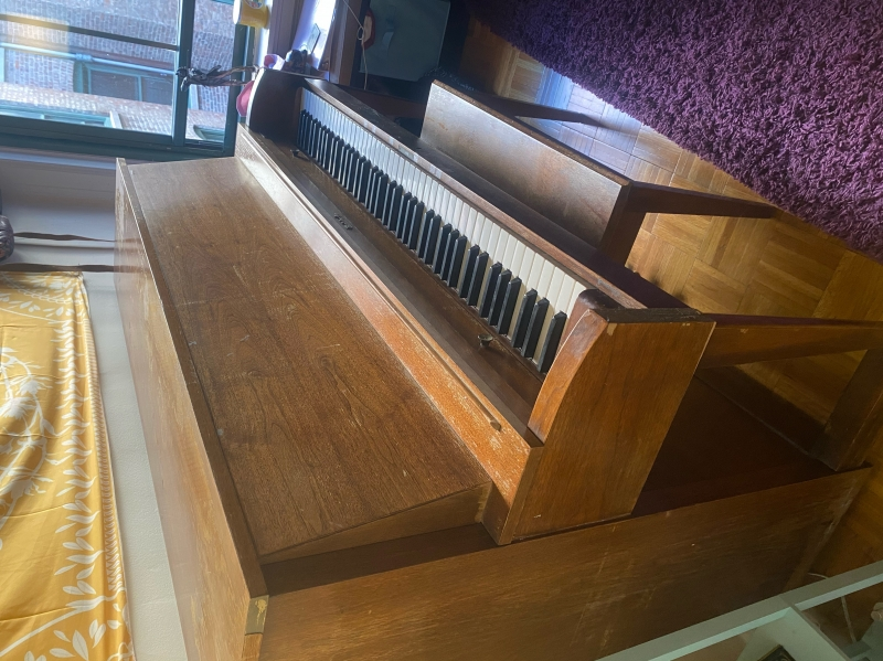 Baldwin Hamilton Upright Piano 44 Image 1