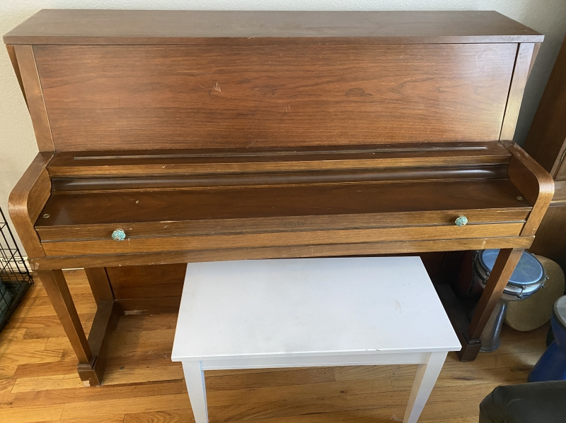 Free piano Image 1