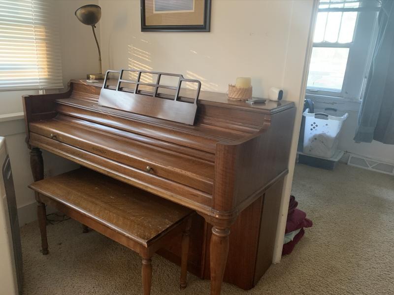 Free Piano Crystal Lake IL Image 1