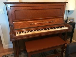 old upright steinway Image 1