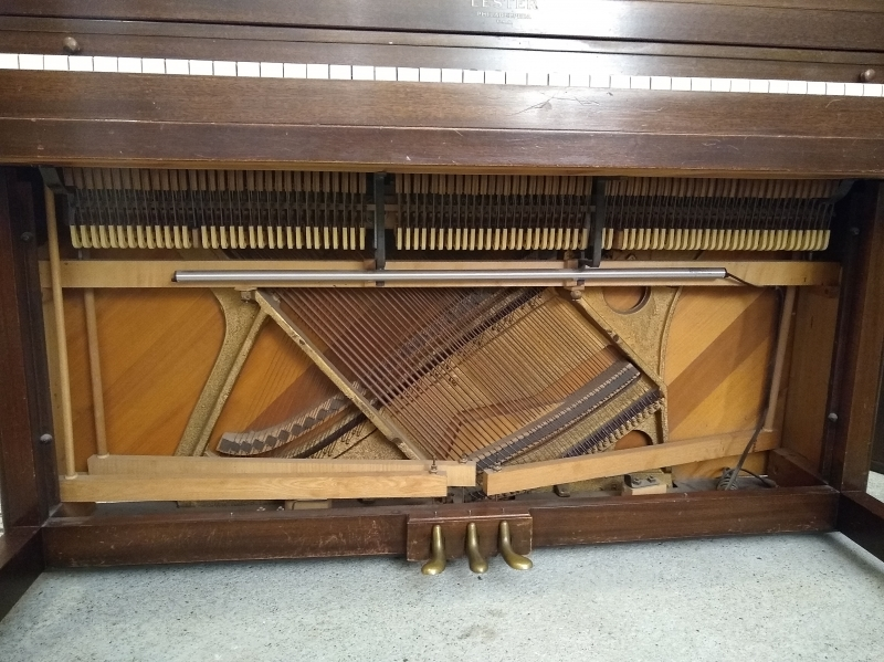 Lester Spinet Piano Image 3